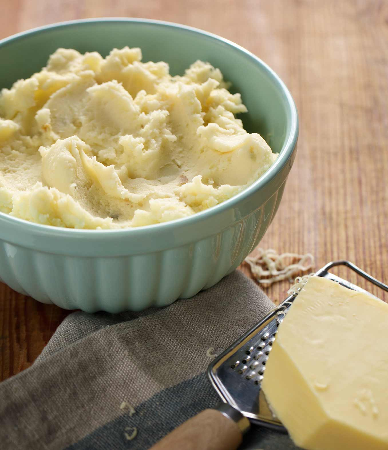 Raw Cheddar and Garlic Mashed Potatoes