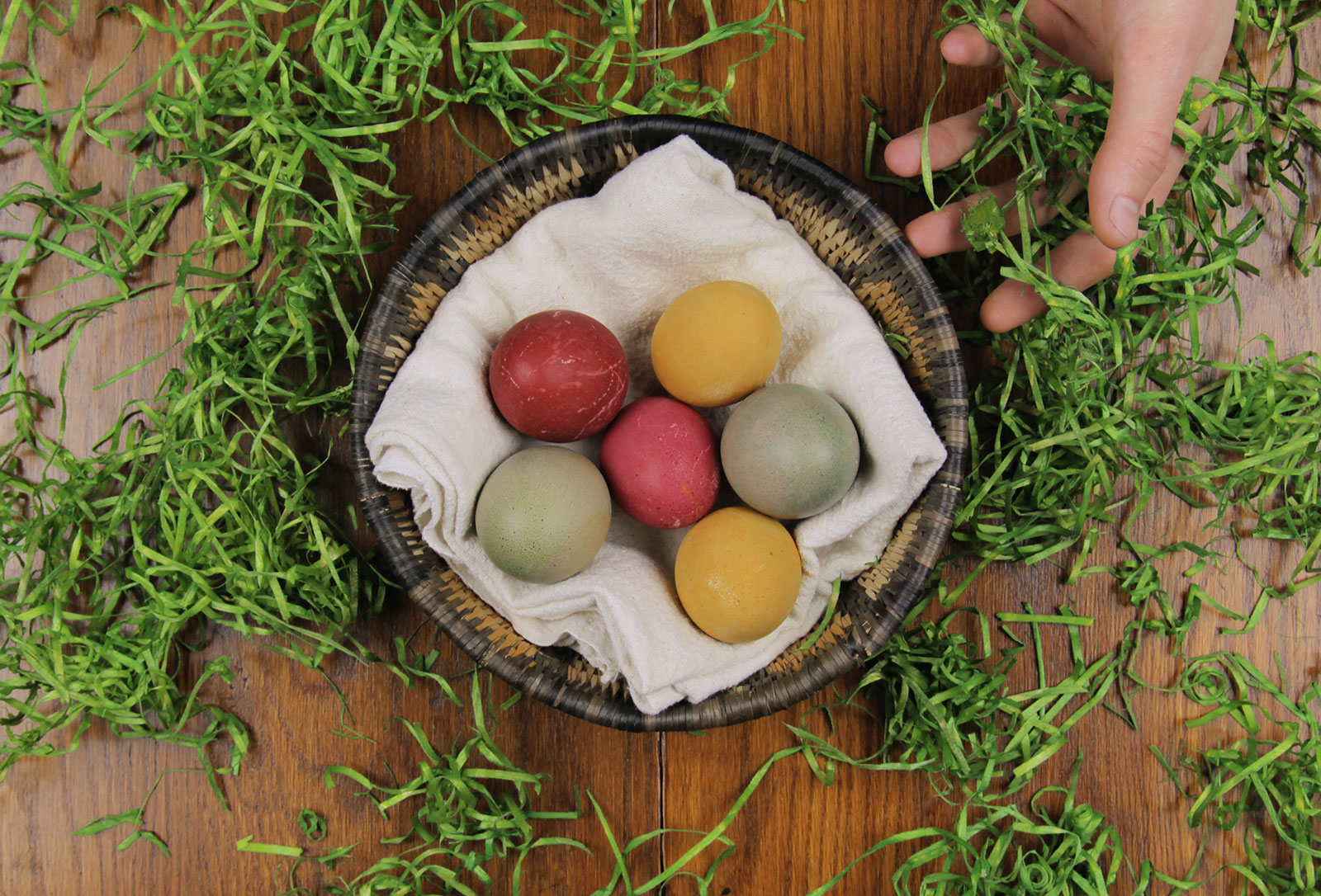 Natural Dye Easter Eggs.