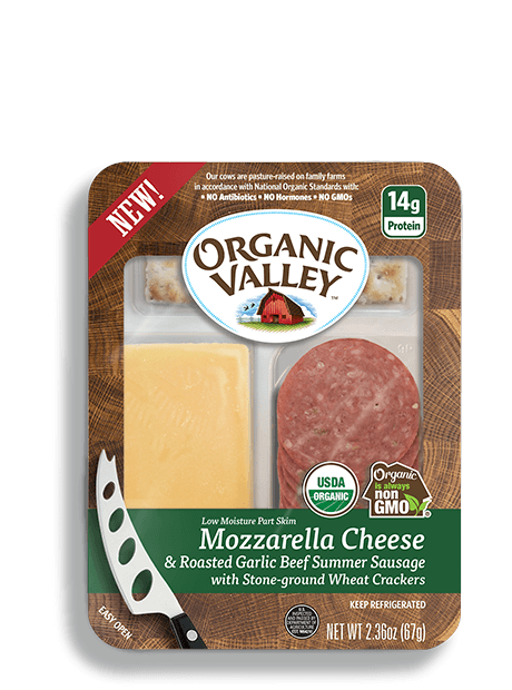 Mozzarella Cheese & Garlic Summer Sausage Snack Kit